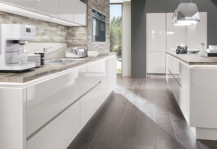Handleless kitchens are a design statement.