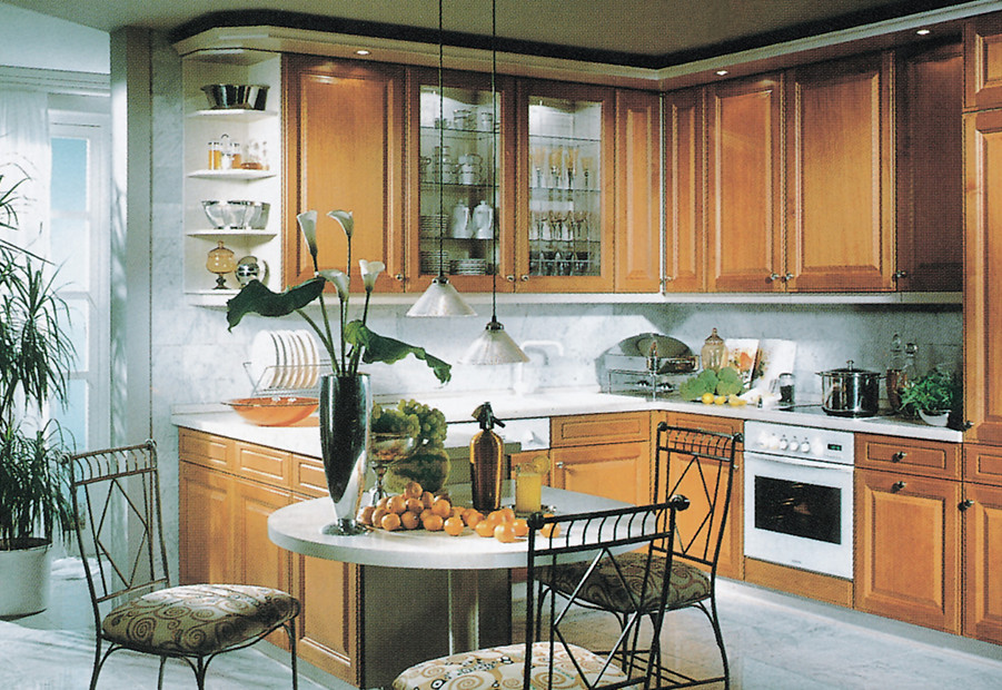 1997: nobilia wood kitchen with dining room